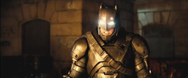 Bruce Wayne ve svém fešném oblečku.