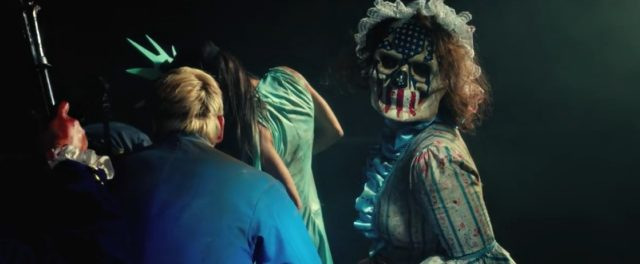 Nový americký horor se vším všudy.