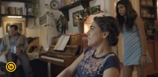 Film Rodinné štěstí online ke shlédnutí.